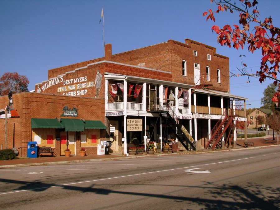 An image of a Civil War museum storefront in downtown Kennesaw.