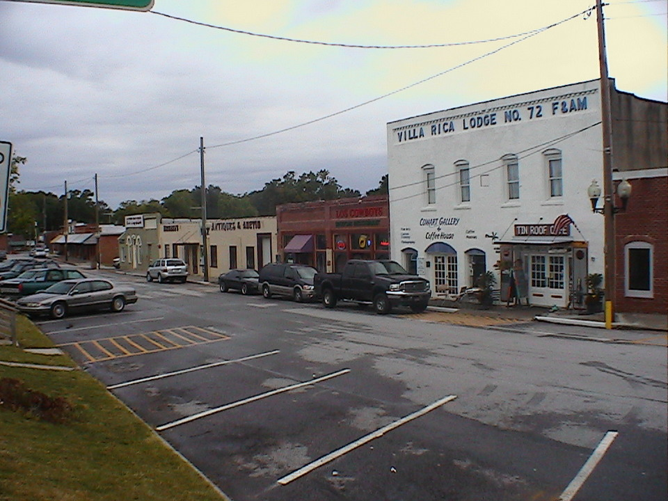 A wide shot of Villa Rica GA's Commercial District.